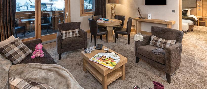 france_three-valleys-ski-area_meribel_hotel-kaila_family-suite.jpg